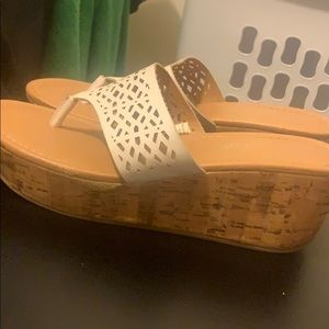 American eagle white wedges